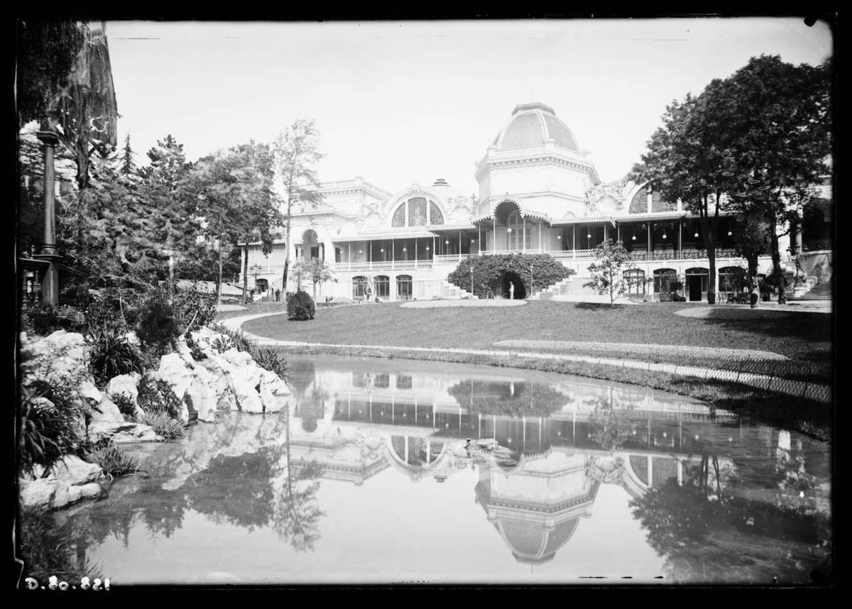 Aix-les-Bains : casino et jardins Photographie