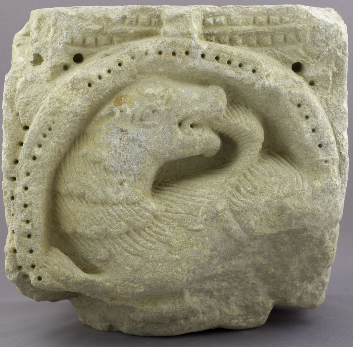 archéologie ; sculpture milieu 12e siècle