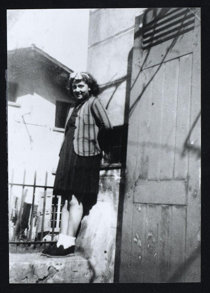 Felicia Przedboski (Jeannine Chevalier) enfant juive cachée, Domène, 1944 Photographie 1944