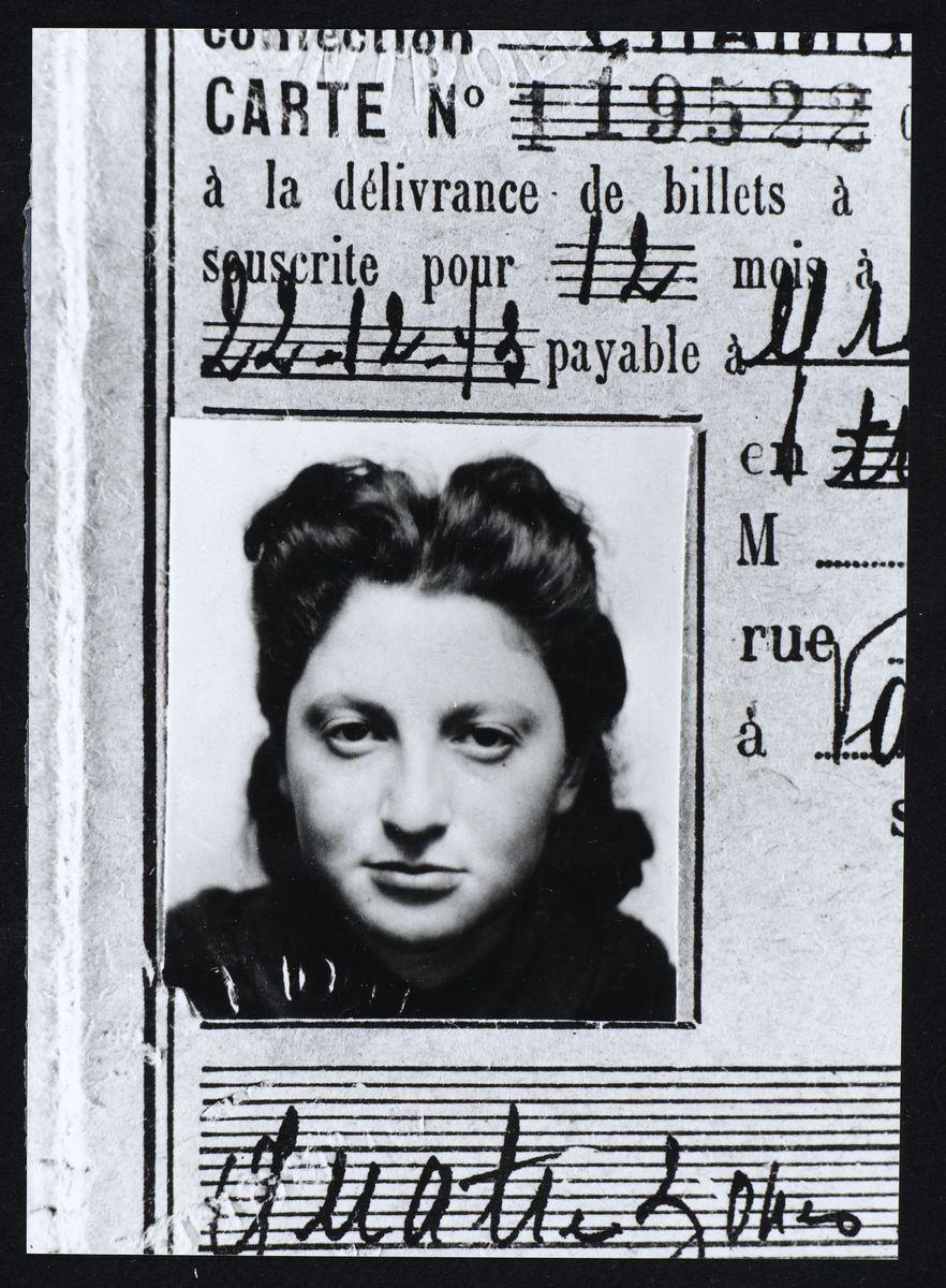 Liliane Klein-Lieber des Eclaireurs Israélites de France, Grenoble, 1943 Photographie 1943