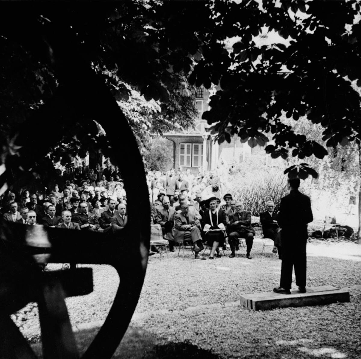 Présentation de la maquette du monument de Villard-Bonnot Photographie