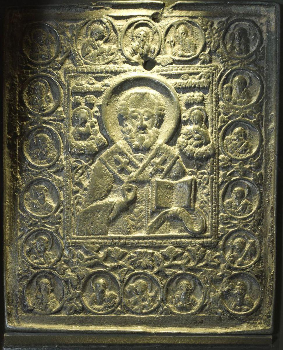 Icône représentant saint Nicolas de Myre sculpture