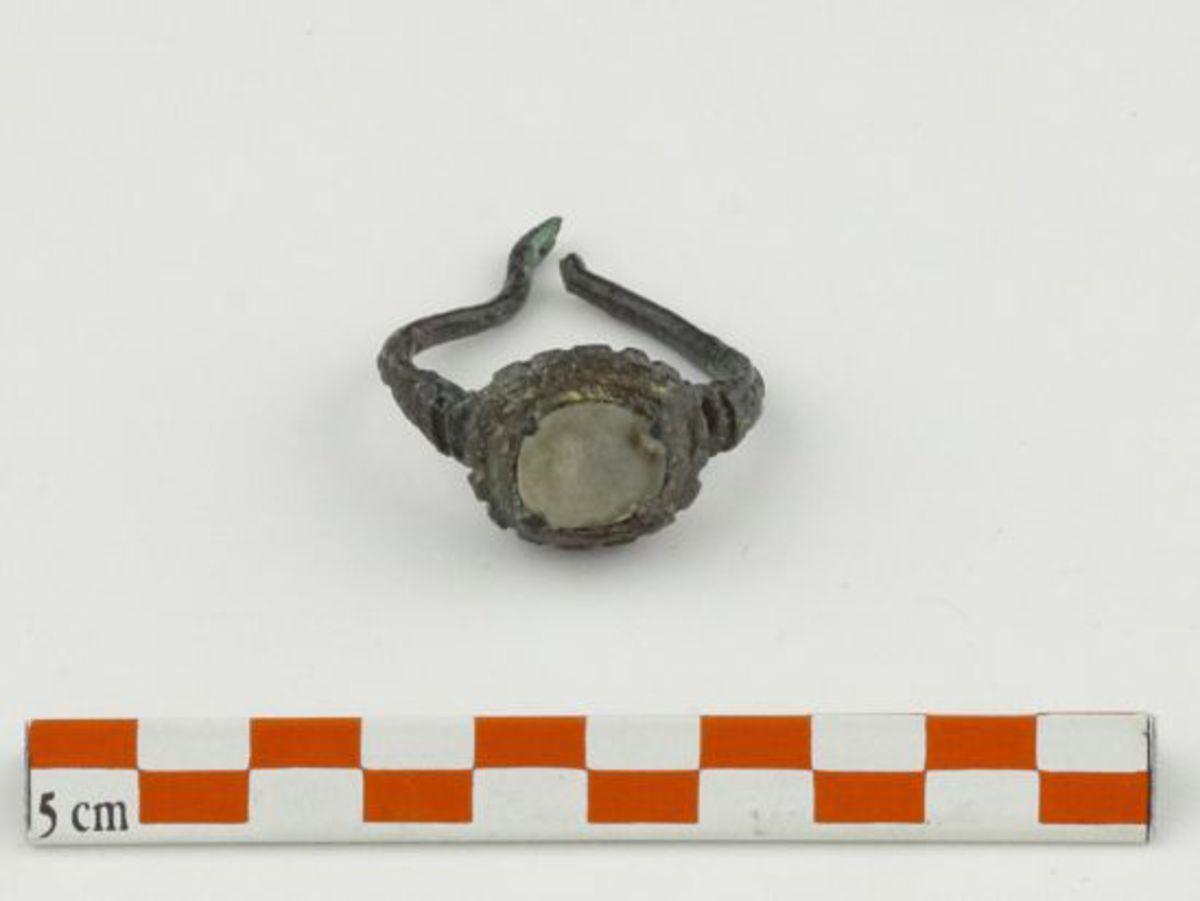 archéologie orfèvrerie 16e siècle