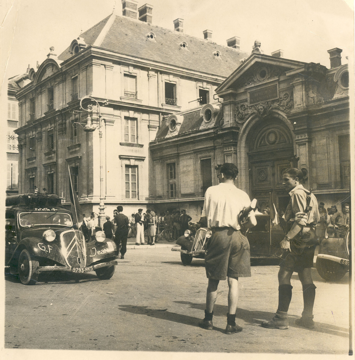 Préfecture à la libération de Grenoble, août 1944 Photographie