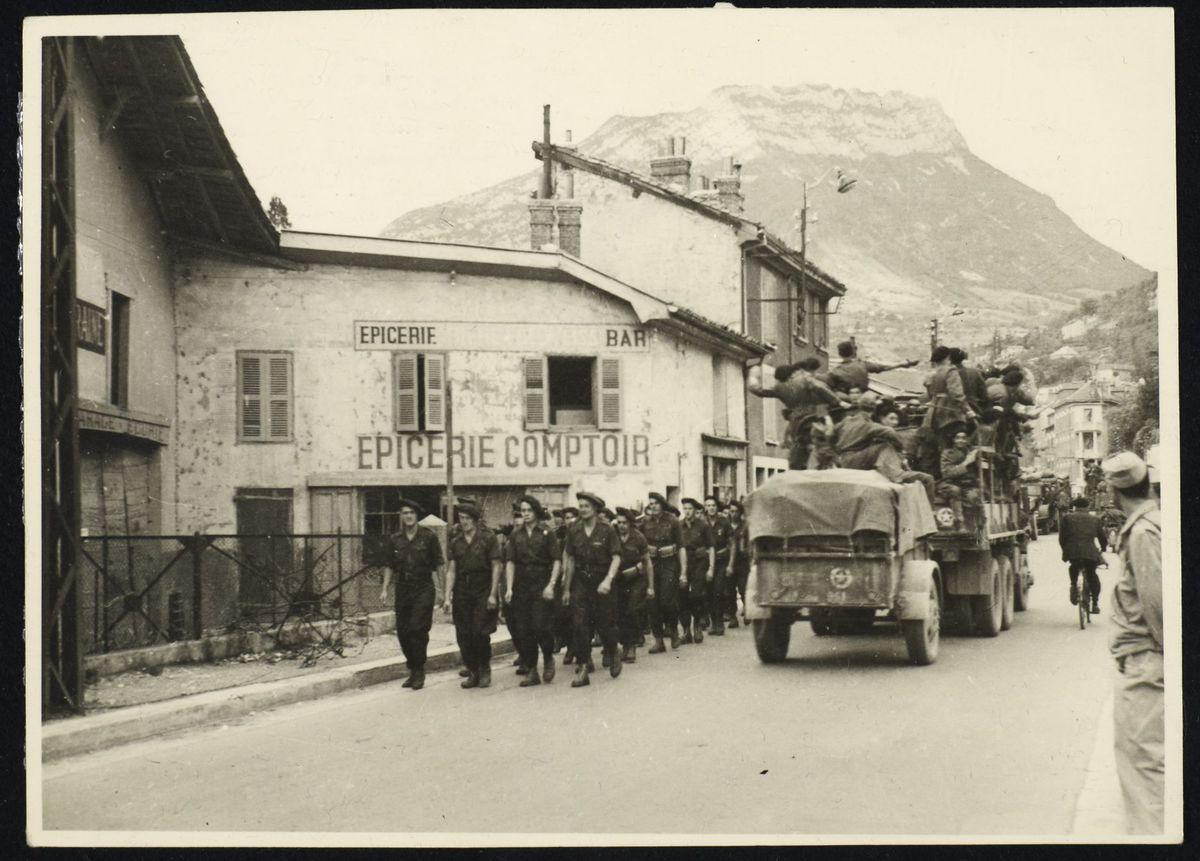 Défilé à la libération de Grenoble, 22 août 1944 Photographie Août 1944